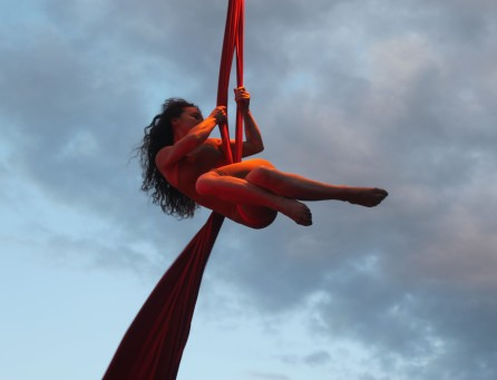 martina nova, workshop, tessuti aerei, stage, la fucina del circo, torino, discipline aeree