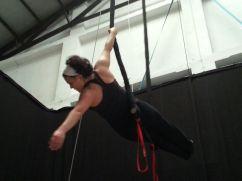 corso di tessuto e trapezio acrobatica aerea tecniche circensi (1)
