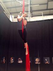 corso di tessuto e trapezio acrobatica aerea tecniche circensi (14)