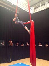 corso di tessuto e trapezio acrobatica aerea tecniche circensi (7)