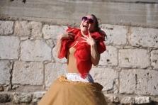 martina nova, teatro di strada Il Viaggio di una Crinolina, La Fucina del Circo