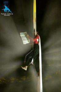 corpo sospeso Marcela Martínez stage di tessuti trapezio attrezzi aerei corda La Fucina del Circo Torino discipline aeree attrezzi sperimentazione creazione