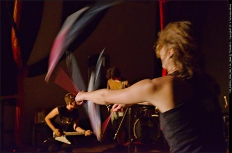 SITUAZIONI IMPROVVISATE LA FUCINA DEL CIRCO RASSEGNA PERFORMANCE MUSICA ARTE (31)