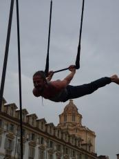 alessandro sicco, festa dello sport, torino, la fucina del circo, performance al trapezio (11)