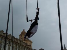 chiara ciriello, festa dello sport torino 2015 la fucina del circo performance al trapezio, trapezista (7)