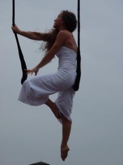 martina nova, trapezio di maggio, performance la fucina del circo, festa dello sport (17)