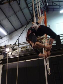 trapezio stage, La Fucina del Circo, Anibal Virgilio (12)