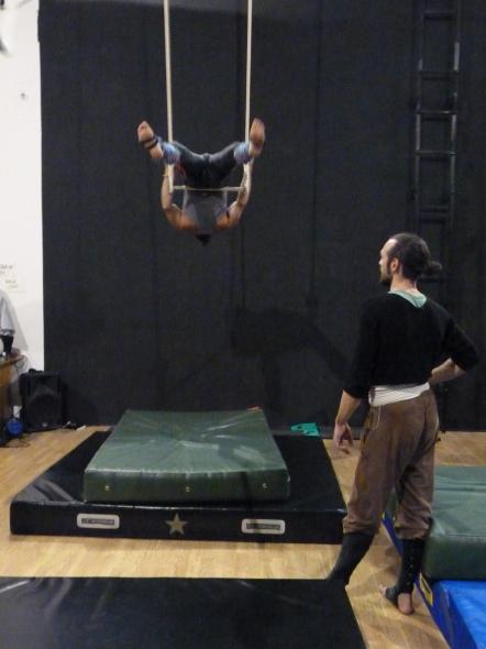 trapezio stage, La Fucina del Circo, Anibal Virgilio (9)