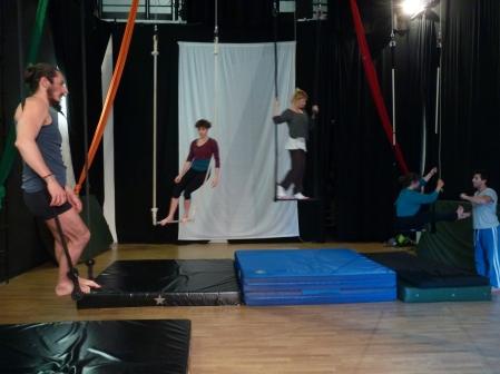 equilibrio trapezio, workshop, stage, la fucina del circo, torino, arti aeree, discipline aeree, tecnica al trapezio (14)_