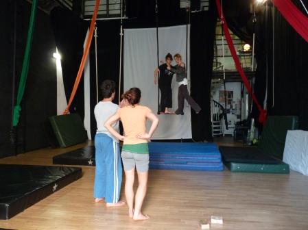 equilibrio trapezio, workshop, stage, la fucina del circo, torino, arti aeree, discipline aeree, tecnica al trapezio (8)_