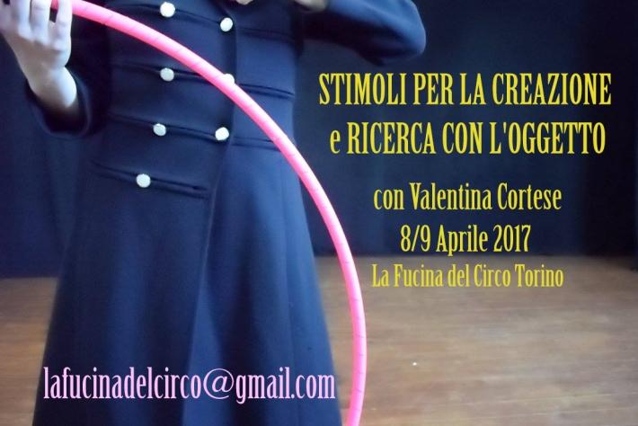 ricerca-con-loggetto-la-fucina-del-circo-valentina-cortese-manipolazione-torino-stage-workshop-creazio