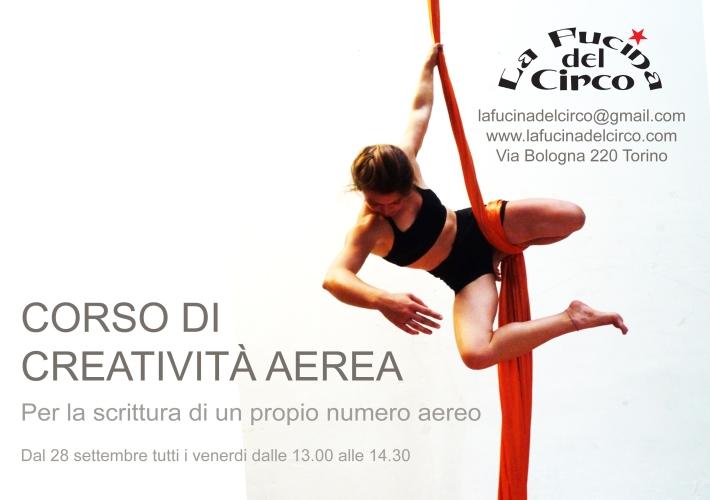 aerial training, potenziamento, elasticità, la fucina del circo, torino, trapezio, tessuto, preparazione fisica, corsi, discipline aeree, scuola di circo, acrobatica