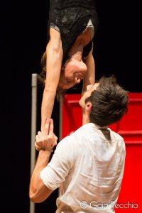 mano mano, acroportes, acrobatica coppia, acroyoga, lafucinadelciro, la fucina del circo, four hand circus,