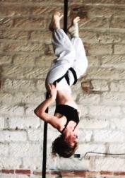 FrancescaGarronecorso avanzato la fucina del circo, tessuto aereo, discipline aeree, acrobatica, corda