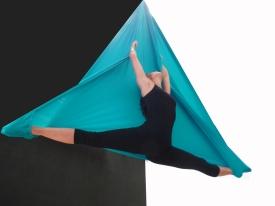 corso di amaca aerea, la fucina del circo, danza aerea, elasticità